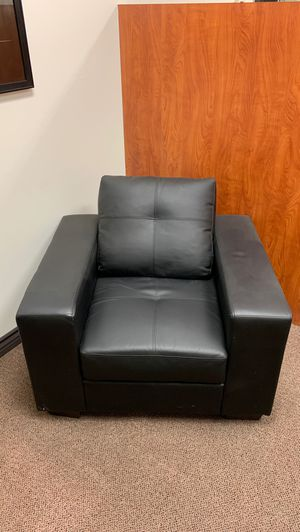 Black faux leather chair for office waiting room for Sale in Anaheim, CA