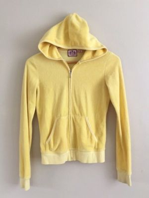 Juicy Couture yellow terry hoody and pants set - perfect condition looks so cute and classy! for Sale in Phoenix, AZ