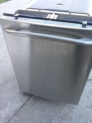 Stainless steel ge dishwasher with stainless steel tub in excellent working condition for Sale in Kissimmee, FL