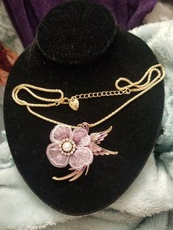 Beautiful Betsey Johnson bird with flower sweater necklace or brooch. for Sale in Salt Lake City,  UT