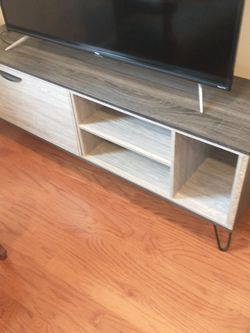 Mid-Century Modern TV Stand Console for Sale in Alexandria,  VA