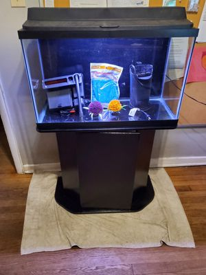 29 gallon fish tank aquarium with everything for Sale in Norfolk, VA