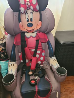 Mini mouse booster car seat for Sale in Los Angeles, CA