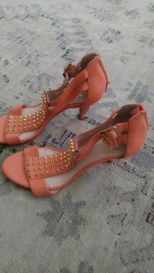 Vince camuto heels peach leather sz 6 for Sale in North Las Vegas, NV