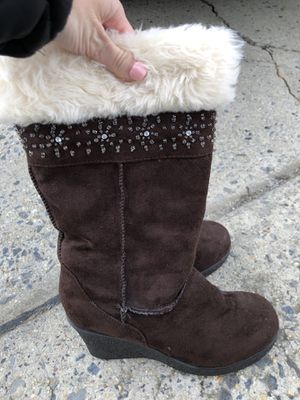 Brown fur boots for Sale in Mount Airy, MD