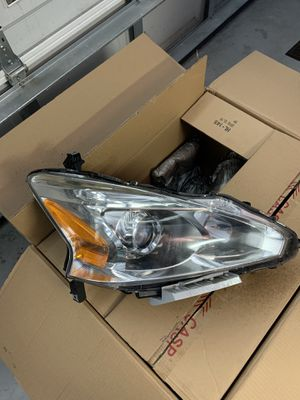 2013-2015 Nissan Altima Sedan Front Headlights for Sale in Zephyrhills, FL