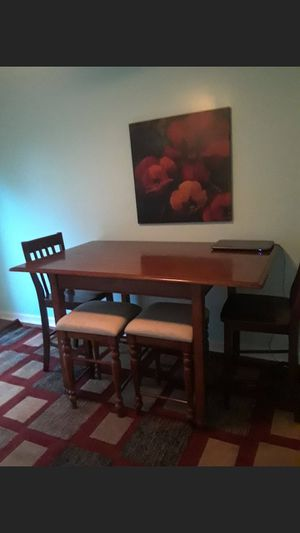 High top kitchen table with 2 chairs 2 stools for Sale in Ford, KY