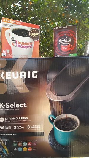 Keurig coffee maker for Sale in Pico Rivera, CA
