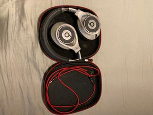 Beats headphones executives for Sale in Chicago, IL