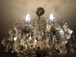 Beautiful Chandelier Lamp for Sale in Los Angeles, CA