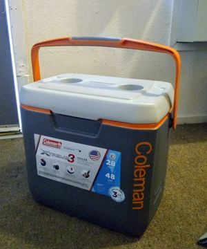 Coleman Ice chest for Sale in Fresno, CA
