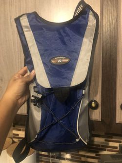 Hiking Hydration Backpack 2 L for Sale in Federal Way,  WA