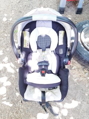 Infant car seat for Sale in Oroville, CA