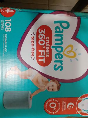 Pampers cruisers baby diaper size 4 for Sale in El Paso, TX