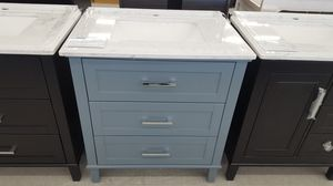 """32"""" Vanity ( With Top , Back Splash , And Mirror ) for Sale in Orlando, FL"""