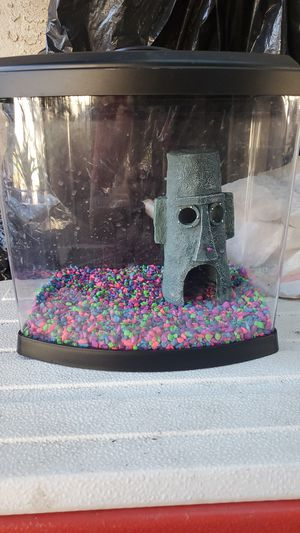 2.5 gallon fish tank for Sale in Oceanside, CA