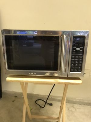 Microwave oven for Sale in Arcadia, CA
