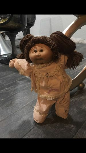Authentic Original Cabbage Patch Doll in original clothes for Sale in Hollywood, FL