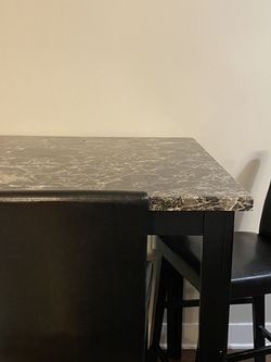 Dine-In Table for Sale in Cleveland,  OH
