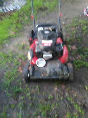 A crabman Troy-Bilt push lawn mower with self propelled with a Honda motor for Sale in Bartow, FL