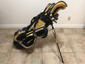 Acuity TurboMax full set golf clubs for Sale in Alexandria, VA