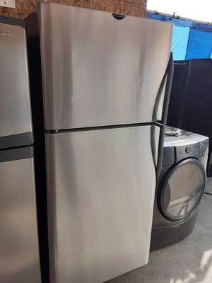 $350 Frigidaire stainless steel fridge includes delivery in the San Fernando valley warranty and installation included for Sale in Los Angeles, CA