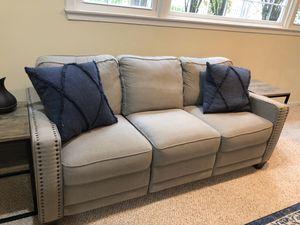 La-z-boy McKenna electric realign sofa for Sale in Falls Church, VA