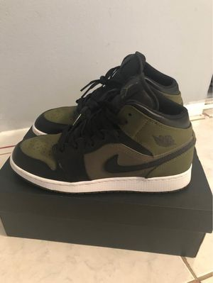 Jordan 1 Size 7Y for Sale in Tampa, FL