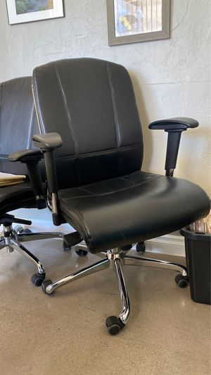 2 office chairs for Sale in Glendale, AZ