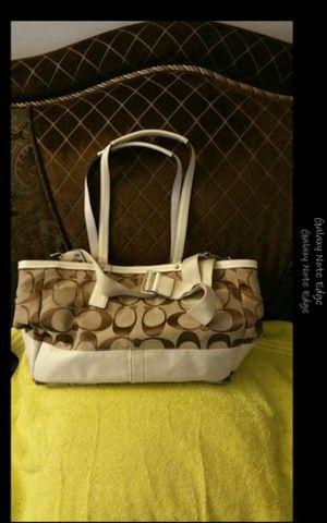 Bolsa coach original vuenas condisiones pañalera for Sale in Baldwin Park, CA