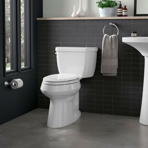 Brand new kohler toilet still in the box you can see in the other pictures !$40 OBO for Sale in Long Beach, CA