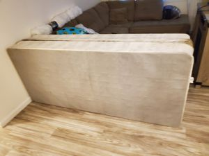 CAL KING BOX SPRING for Sale in Tulare, CA