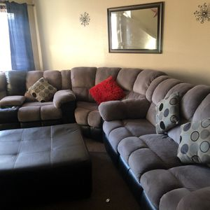 Sectional for Sale in Orosi, CA