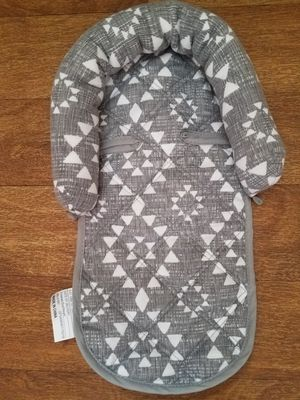 New infant head and neck support for car seat for Sale in Canton, OH