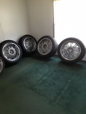 """22"""" chrome rims 5 plug universal new tires for Sale in Tyler, TX"""