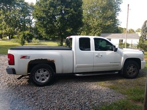 30 accounts and 07 Chevy Silverado ltz with plow for Sale in New Haven, CT