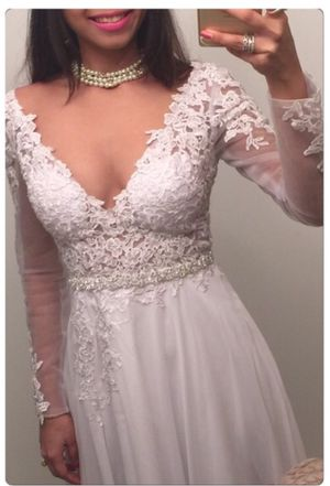 Lace white wedding dress US size 2 for Sale in Chicago, IL