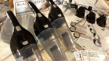 3-SETS...Black and Decker Dustbuster HNV220BCZ01..LIGHTLY USED..RETAILS EACH FOR 49.95 PLUS TAX..SELLING AS PACKAGE..WELL NOT SEPARATE .PLZ DO NOT ASK for Sale in West Chicago,  IL