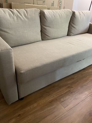 Sleeper sofa for Sale in Chantilly, VA