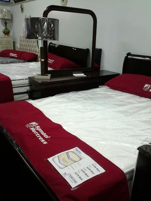 Queen Bedroom Sets for Sale in Cleveland, OH
