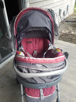 Graco light weight stroller and car seat for Sale in Columbus, OH