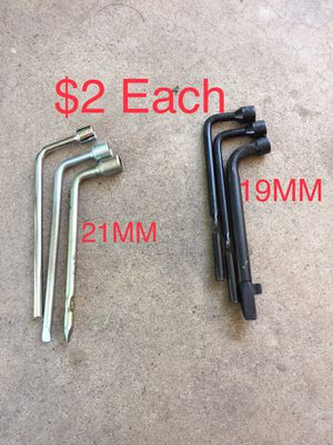 $2 uno ($2 each) Wheel Lug Nut Wrench (43rd ave/Bethany) for Sale in Glendale, AZ