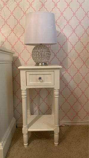 Side table & lamp for Sale in Fort Worth, TX