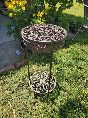 New metal plant stand brand new for Sale in Fontana, CA