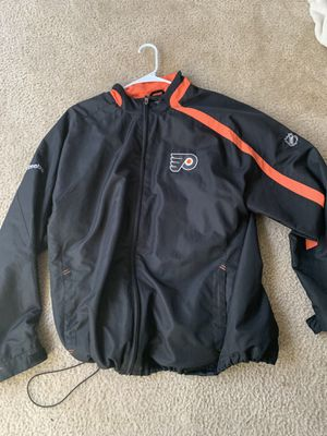 Reebok flyers fleece size L for Sale in Silver Spring, MD
