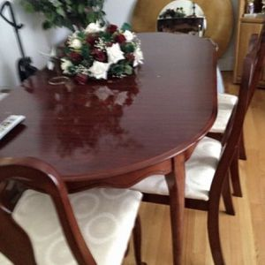 Cherry Wood Dining Set Extendable Table 6 Chairs for Sale in Drakes Branch, VA