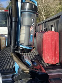 Black And Decker Air Swivel Vacuum for Sale in Vancouver,  WA