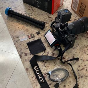 Sony a6400 Video Camera for Sale in Rio Verde, AZ