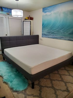 Beautiful king platform bed frame with memory foam mattress for Sale in Edmonds, WA