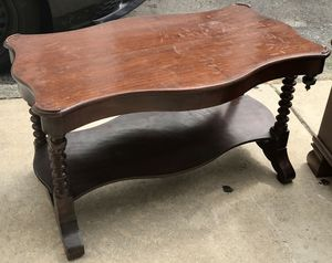 Small Mahogany Coffee Table for Sale in Philadelphia, PA
